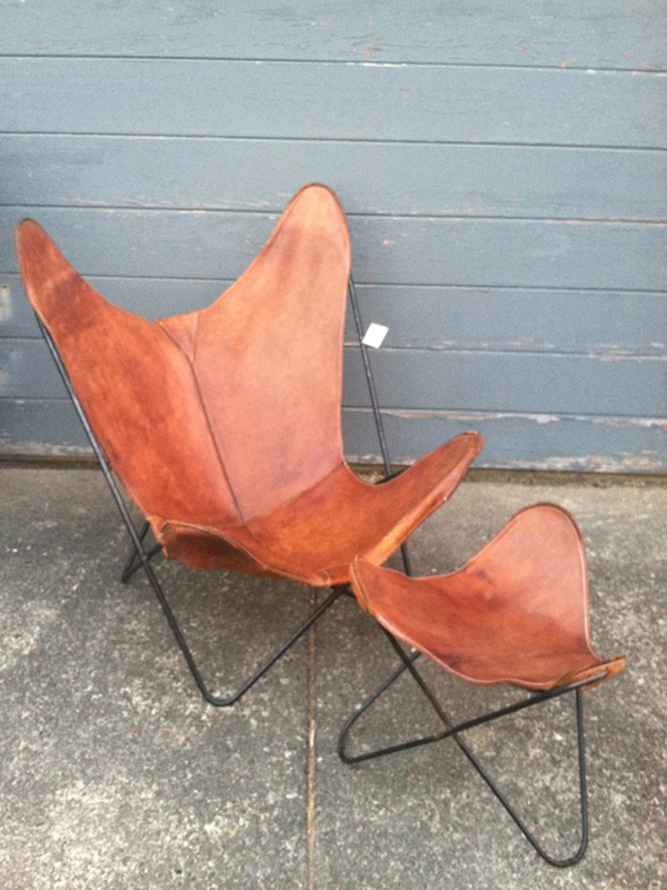 thrifting thursday leather hardoy butterfly chair. Black Bedroom Furniture Sets. Home Design Ideas
